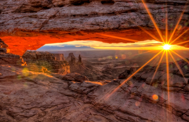 Sunrise at Mesa Arch, Canyonlands Natl Park
