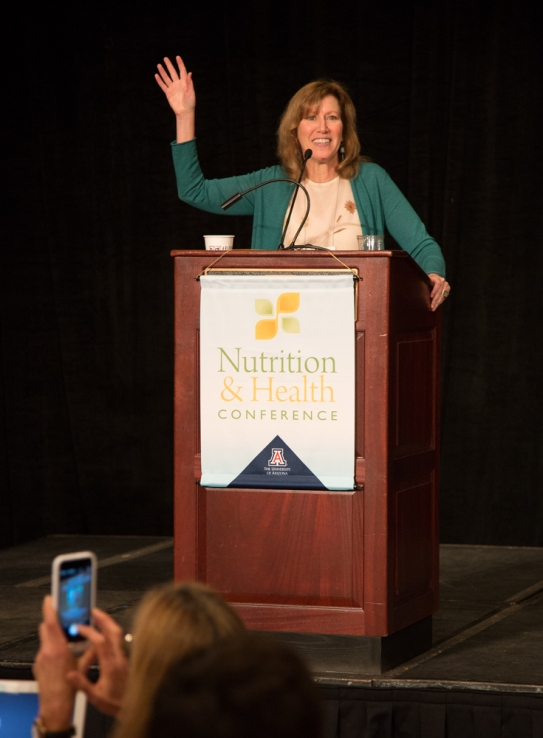 Amazing talk from Victoria Maizes, MD about avoiding environmental chemicals in our diet.